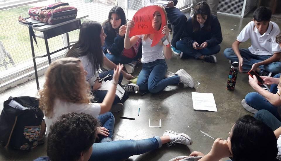 Se realizo en la Escuela Nivel Medio el Acto del día 24 de Marzo